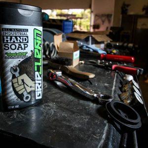 Grip-Clean-Tool-Box